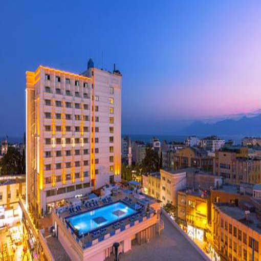 الفنادق و العقارات